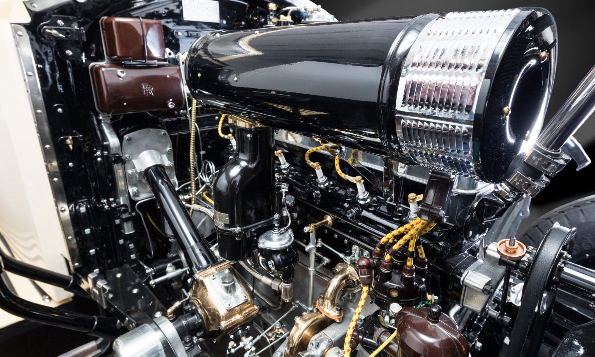 STIMAC Karosserietechnik Werkstatt Innenansicht Rolls Royce Motor